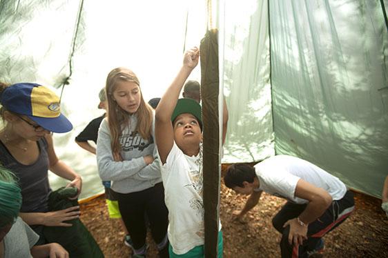 Barn i tält - Fotograf: Lars Epstein